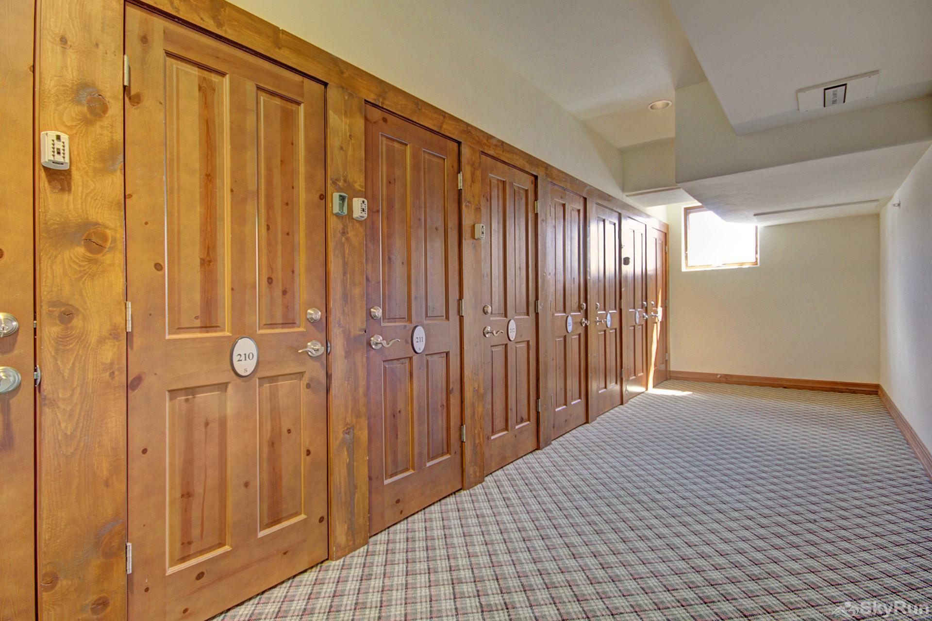 Highland Greens Lodge 210 Ski Locker