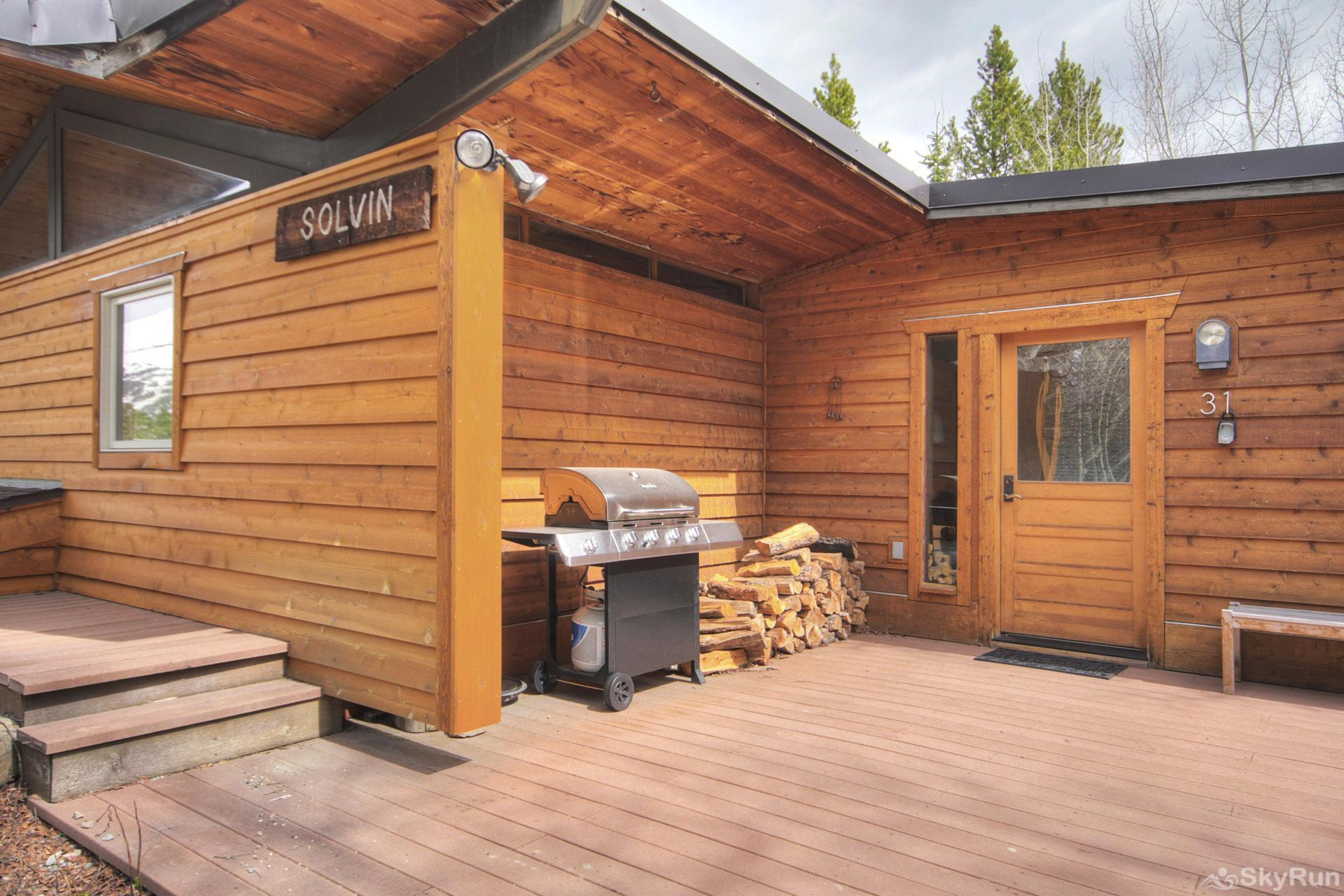 Elk Horn Cabin Patio area with private propane BBQ
