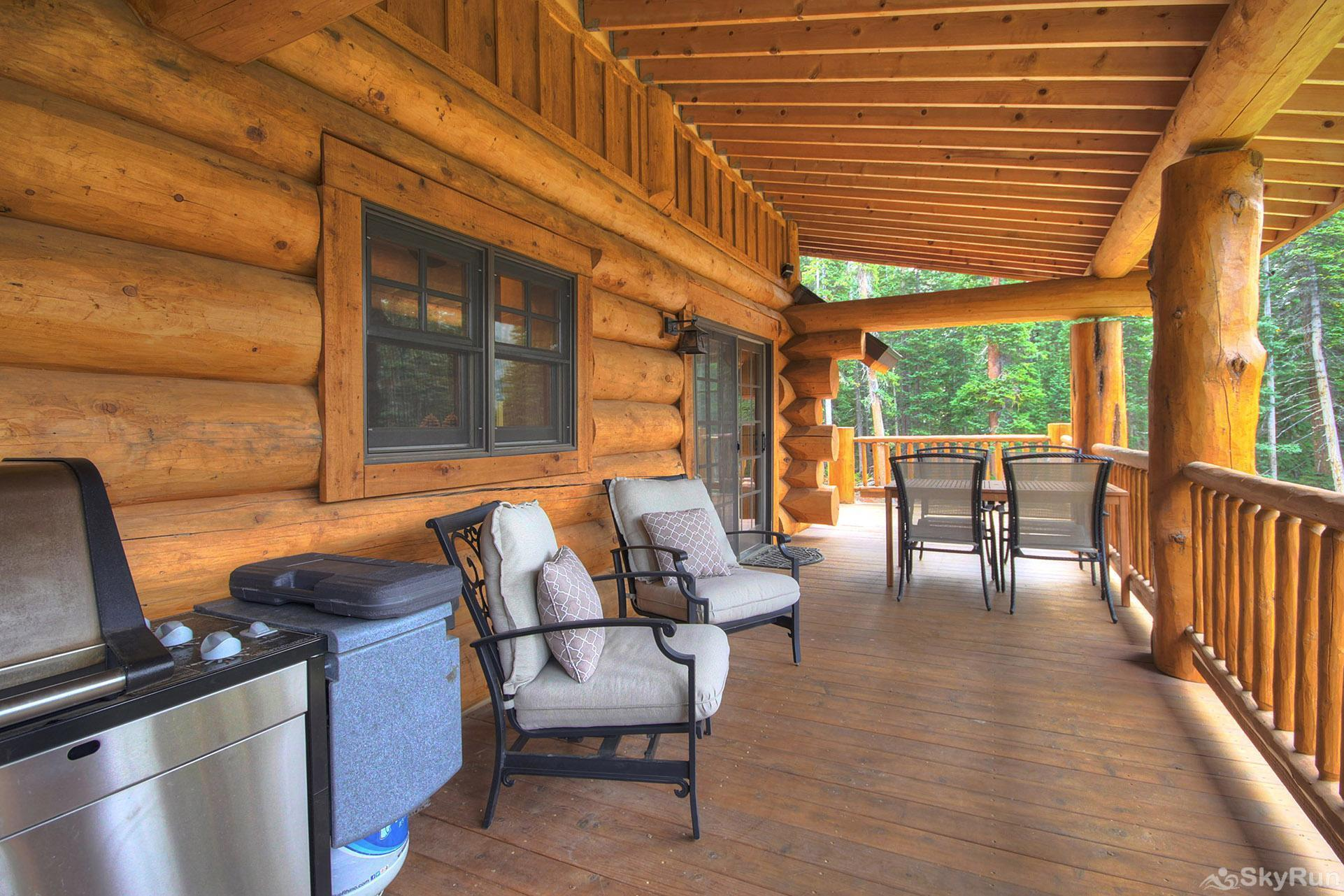 Timber Ridge Lodge Outdoor patio with BBQ grill