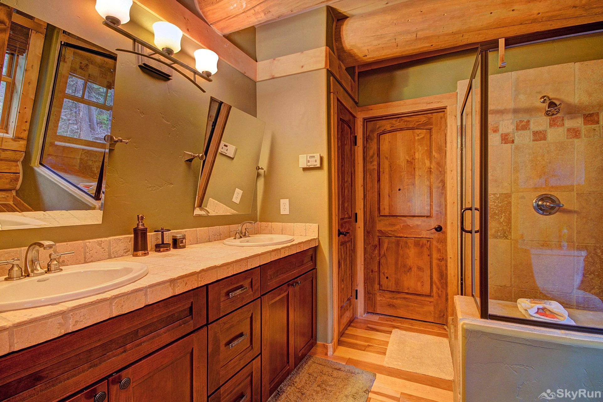 Timber Ridge Lodge Ensuite bathroom with large shower