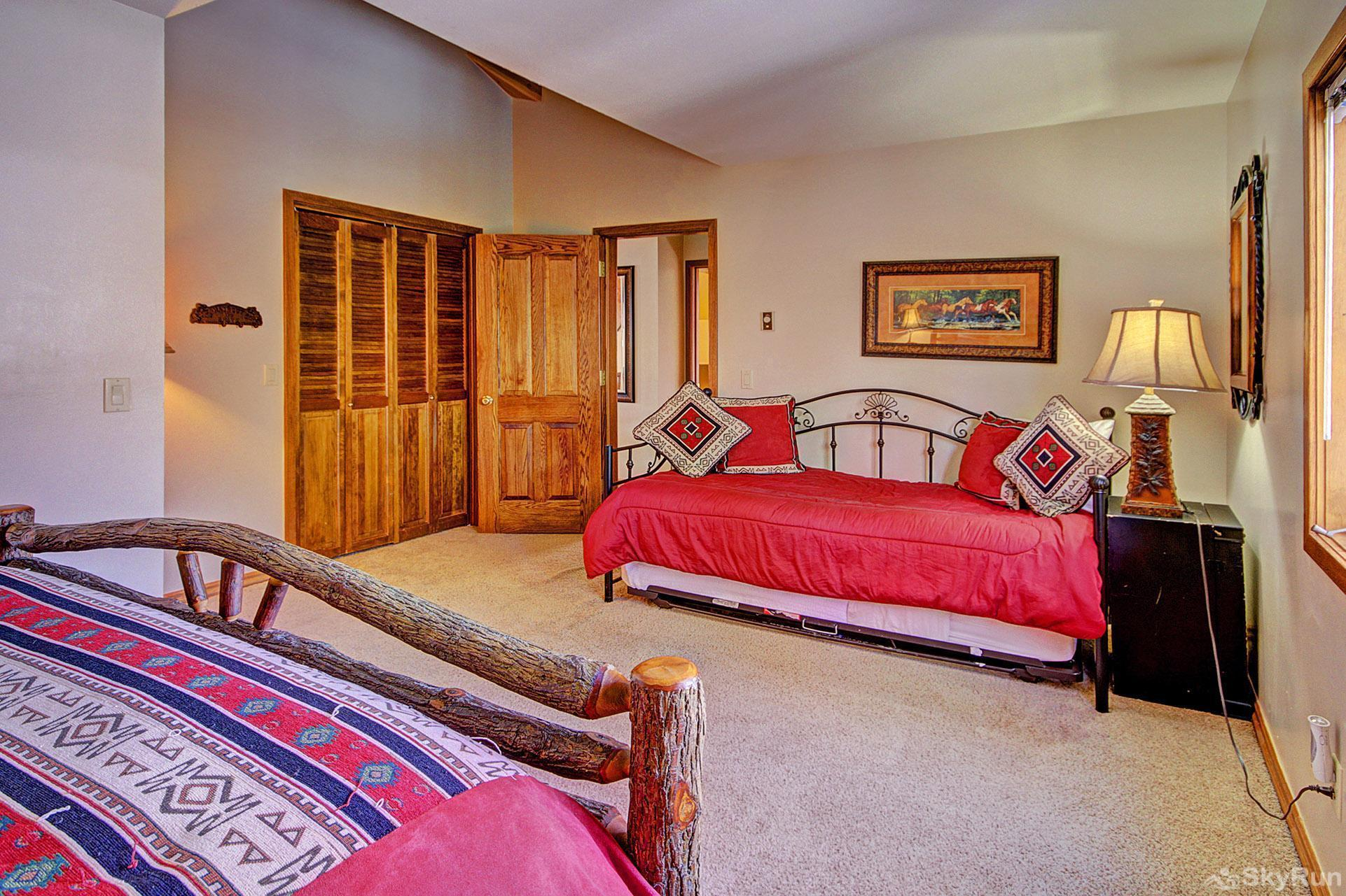 Gold King Lodge Upper Level Queen Bedroom with Daybed and Trundle