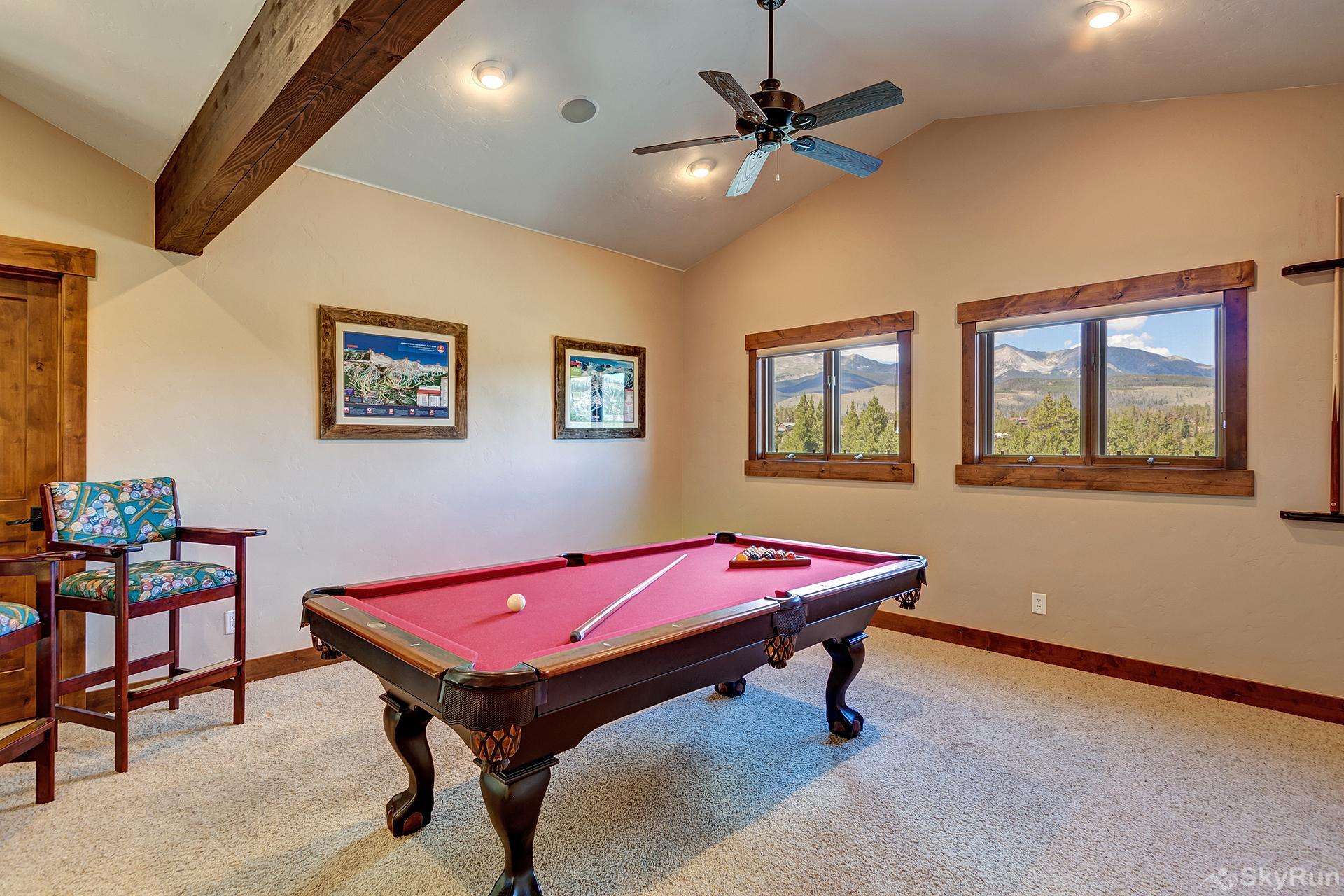 Swan River Retreat Have fun in the Pool table room!
