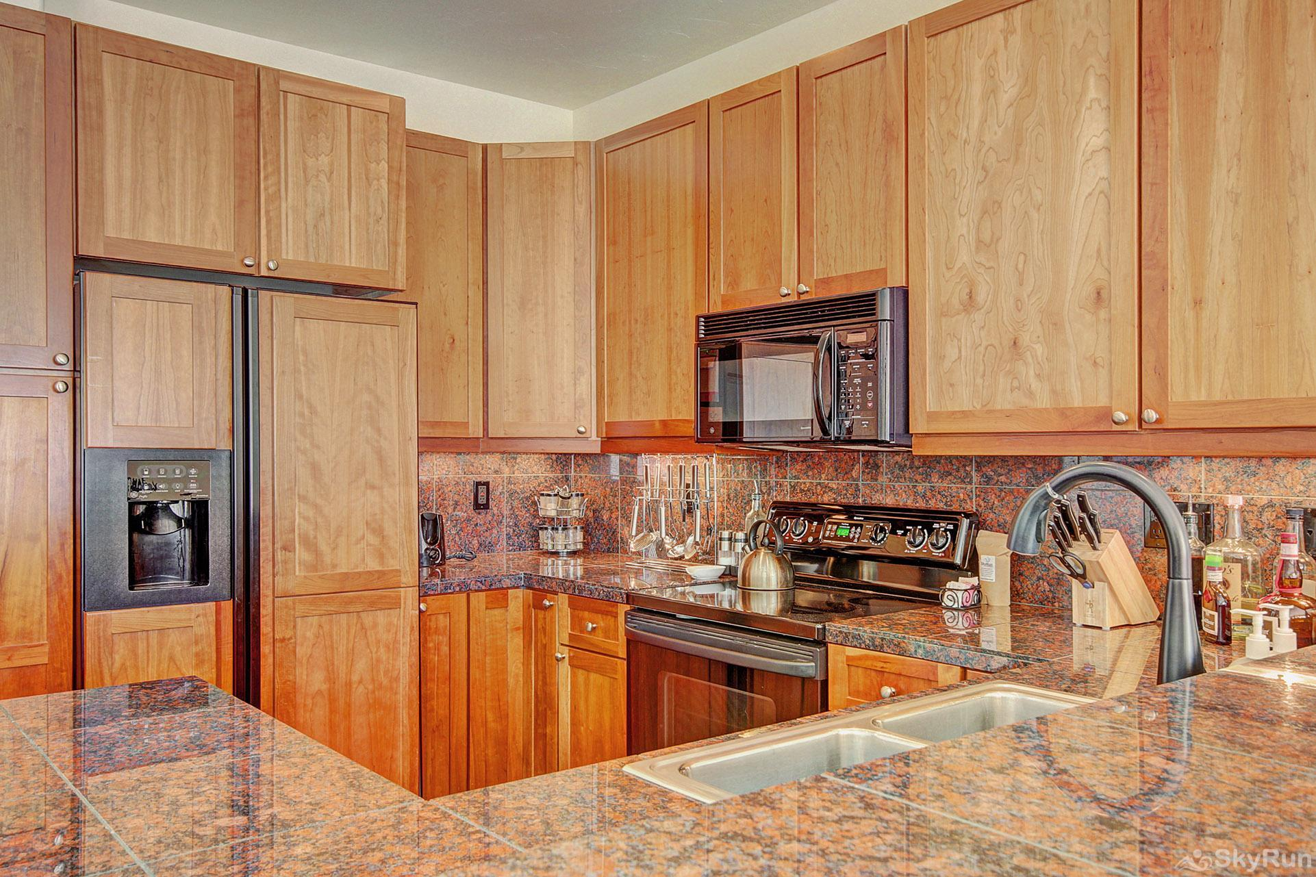 Highland Greens Pine Enjoy tasty home-cooked meals from the comforts of a fully equipped kitchen