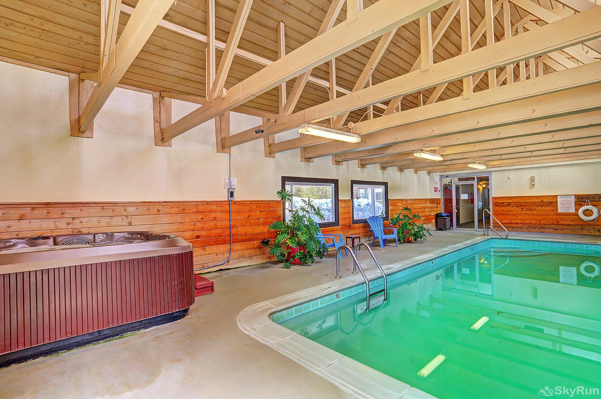 Ski and Racquet Club B106 Lovely hot tub and swimming pool available in the clubhouse