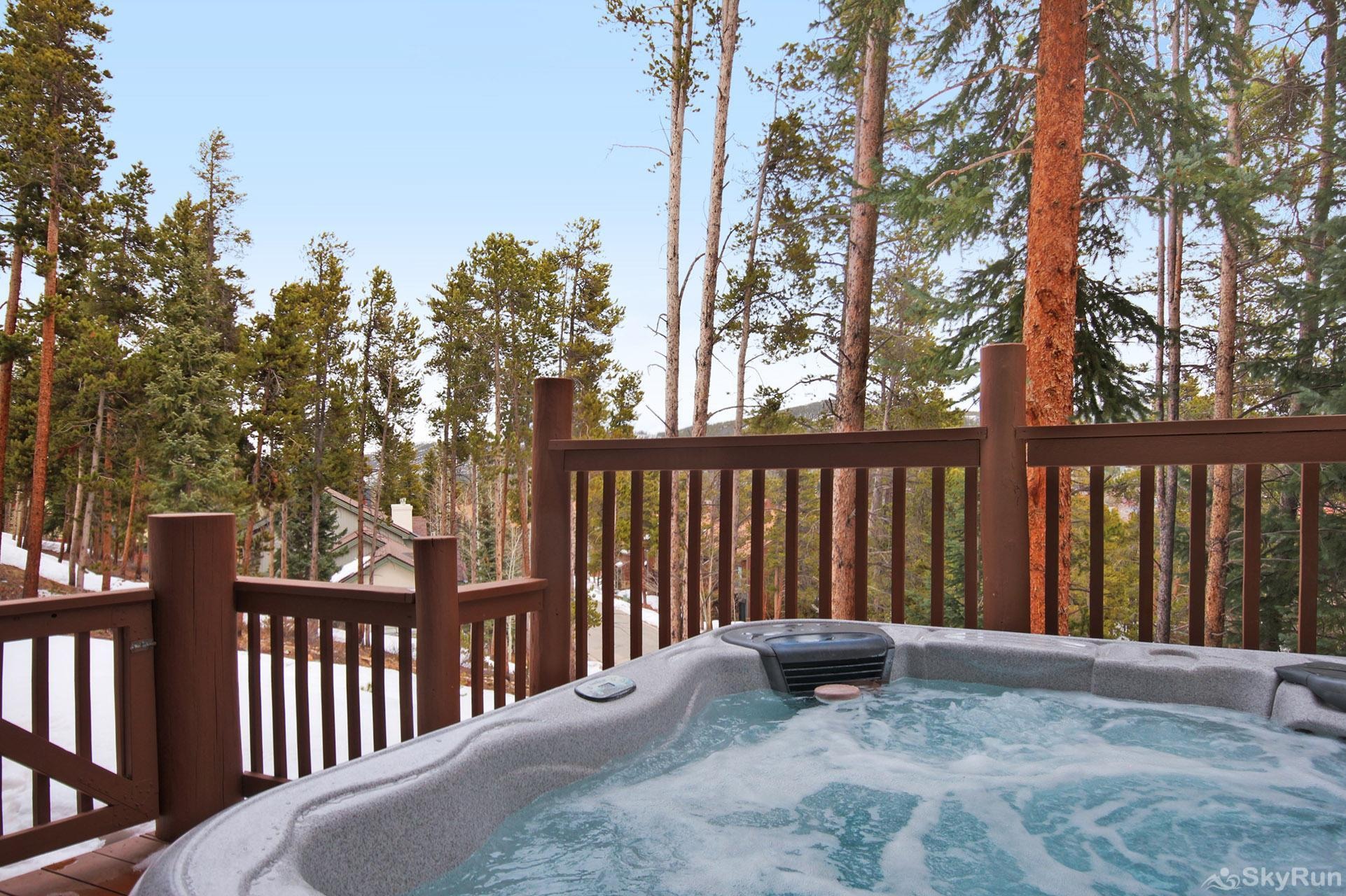 Elk Ridge Retreat Relax and unwind in your private outdoor hot tub