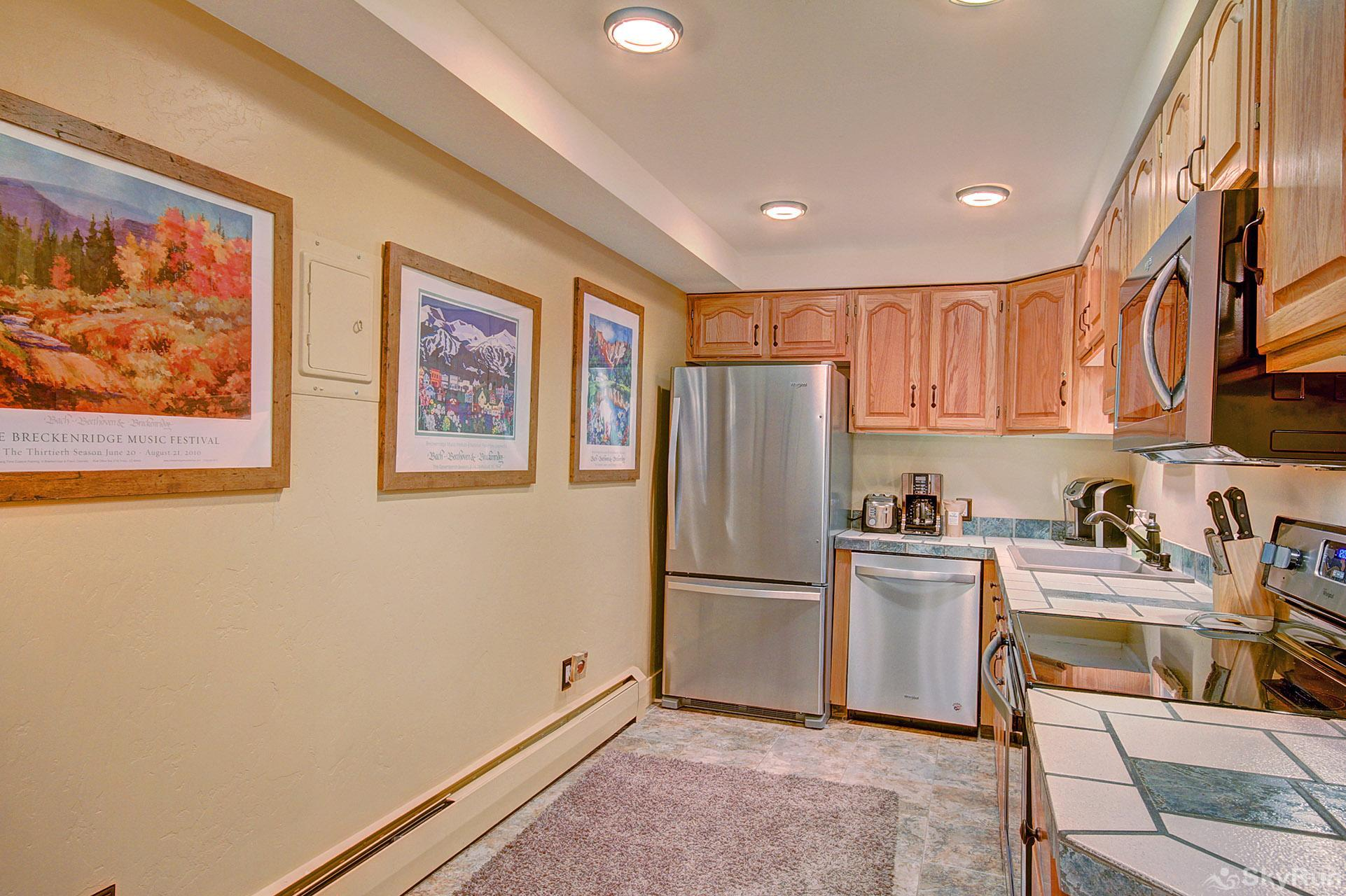 The Lift C11 Fully equipped kitchen updated with modern appliances