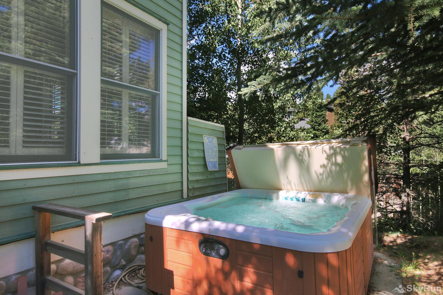Bear Pine Chalet Relax and unwind in your private outdoor hot tub
