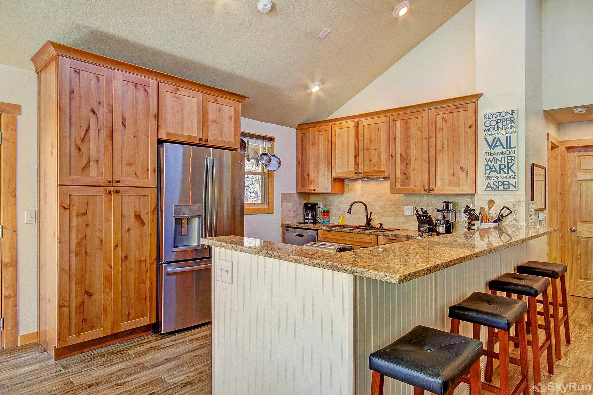 Broken Lance Lodge Beautiful remodeled kitchen