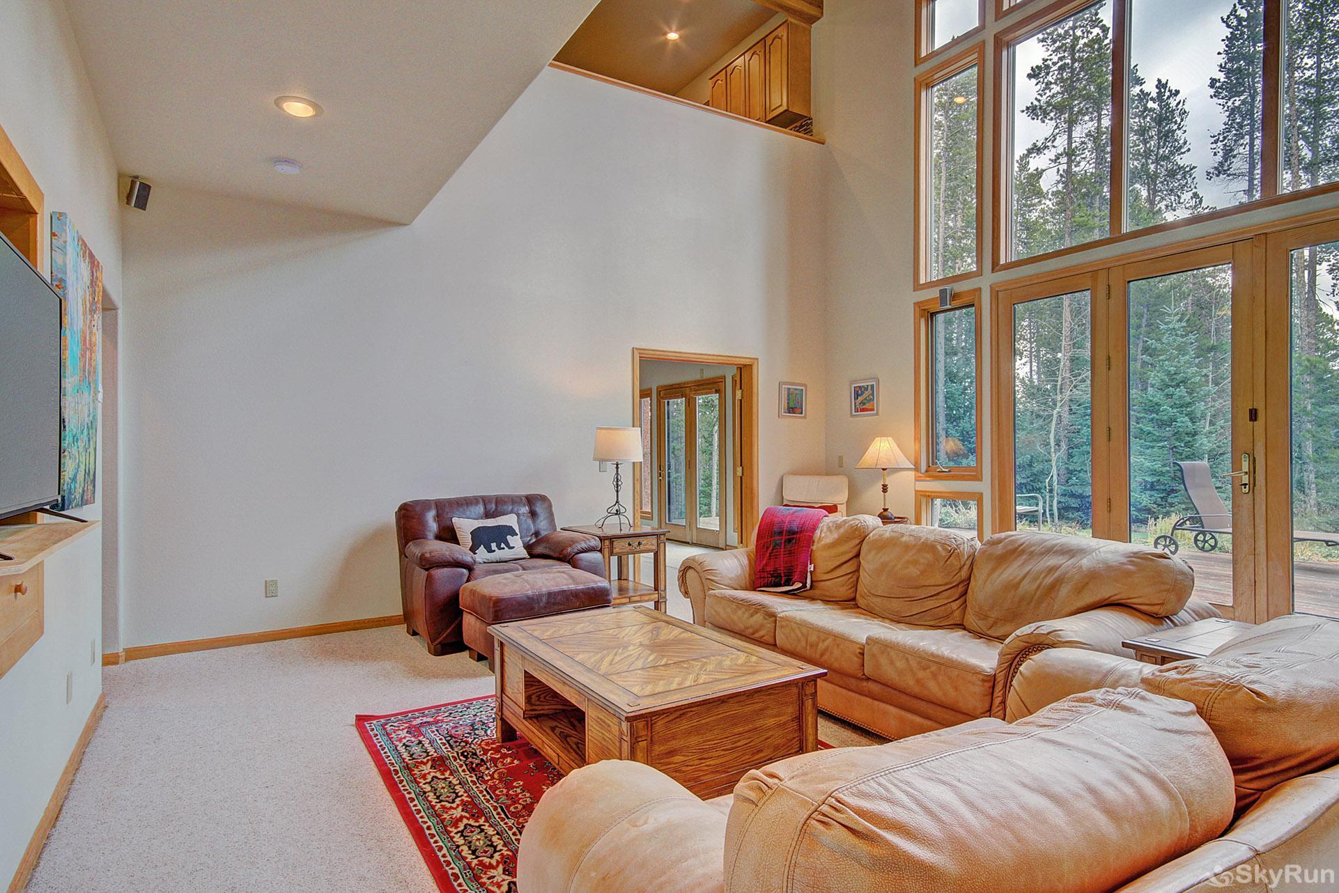 Secret Trail Lodge Large windows provide ample natural light