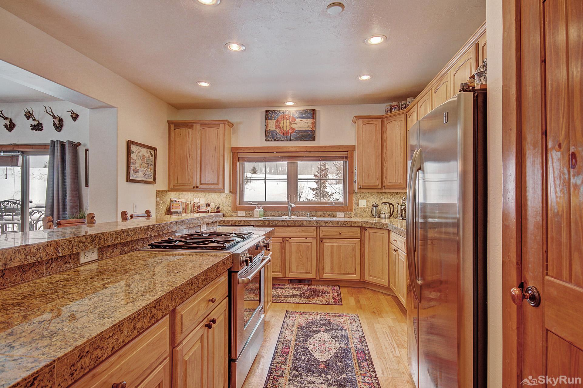 Summit Vista Retreat Prepare tasty home cooked meals with the convenience of a fully equipped kitchen