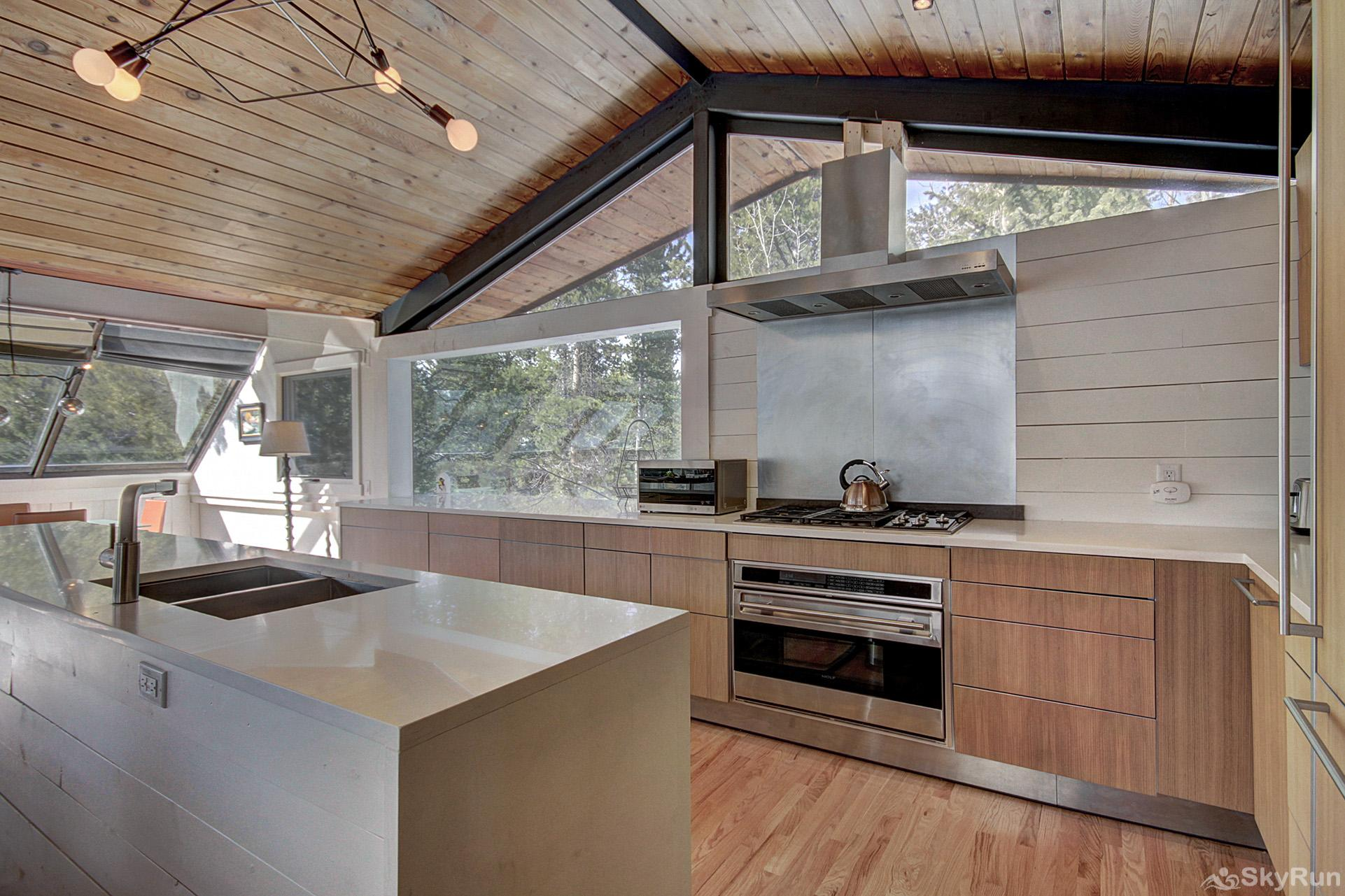 Elk Horn Cabin Prepare tasty home cooked meals with the convenience of a fully equipped kitchen