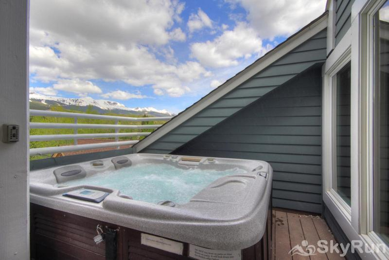 Porcupine Peak Private Outdoor Hot Tub
