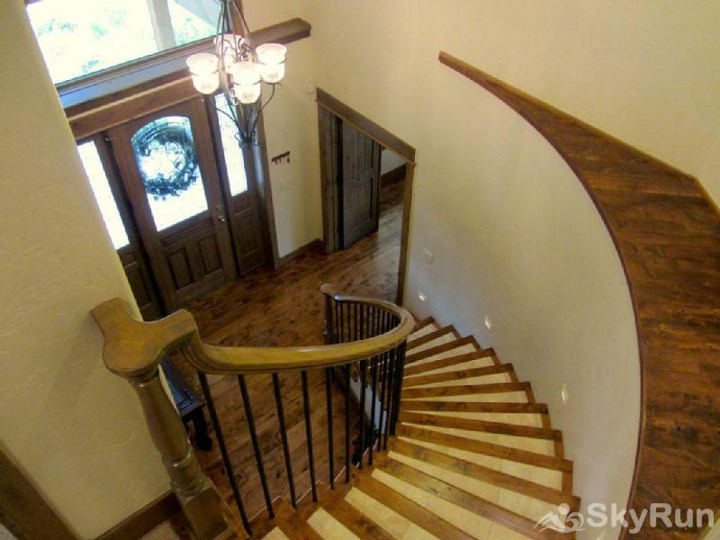 Mountain Sky Lodge Entrance way with grand stair case