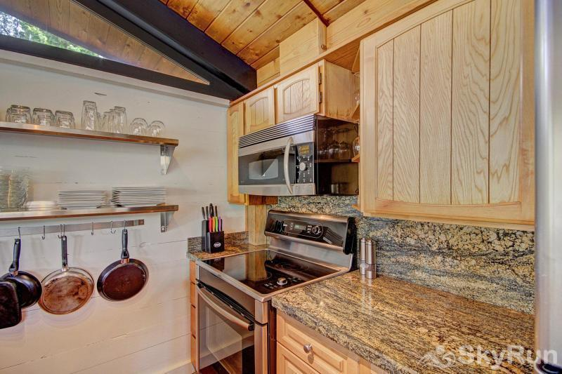 Elk Horn Cabin Updated kitchen with stainless steel appliances