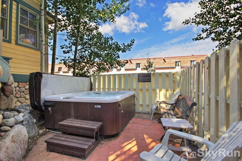 Mountain Ridge Chalet Shared outdoor hot tub just outside the front door