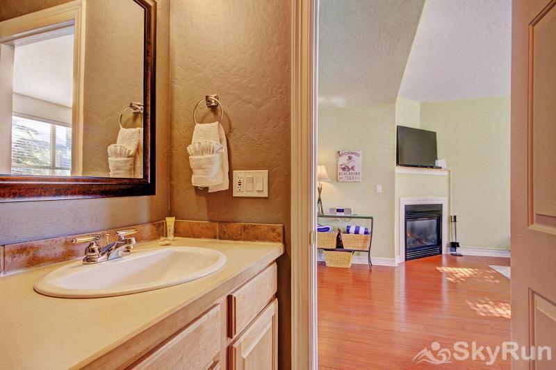 Kingdom Park Retreat Powder room on main floor