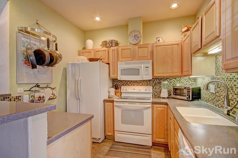 Kingdom Park Retreat Cozy kitchen with an ideal layout
