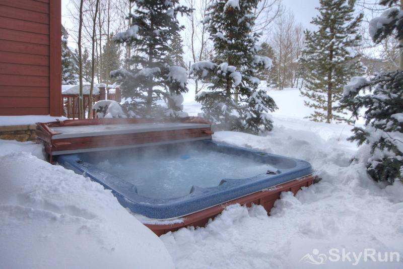 Highland Greens Chestnut Private Outdoor Hot Tub