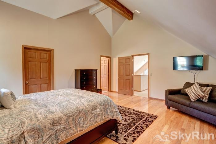 The Commons Upper level master bedroom with ensuite 5 piece bath