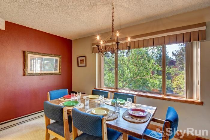 Powderhorn 503 Dining room seating for 6