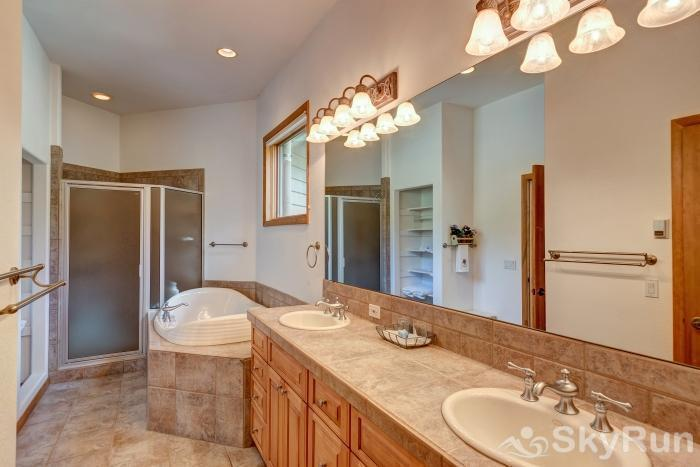 Ten Mile Lodge Gorgeous master bath with jacuzzi tub