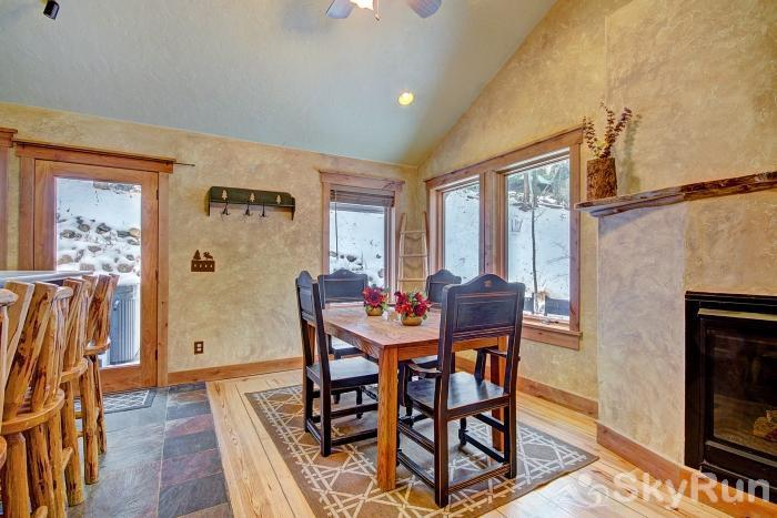 Lodgepole Chalet Dining area with seating for 4