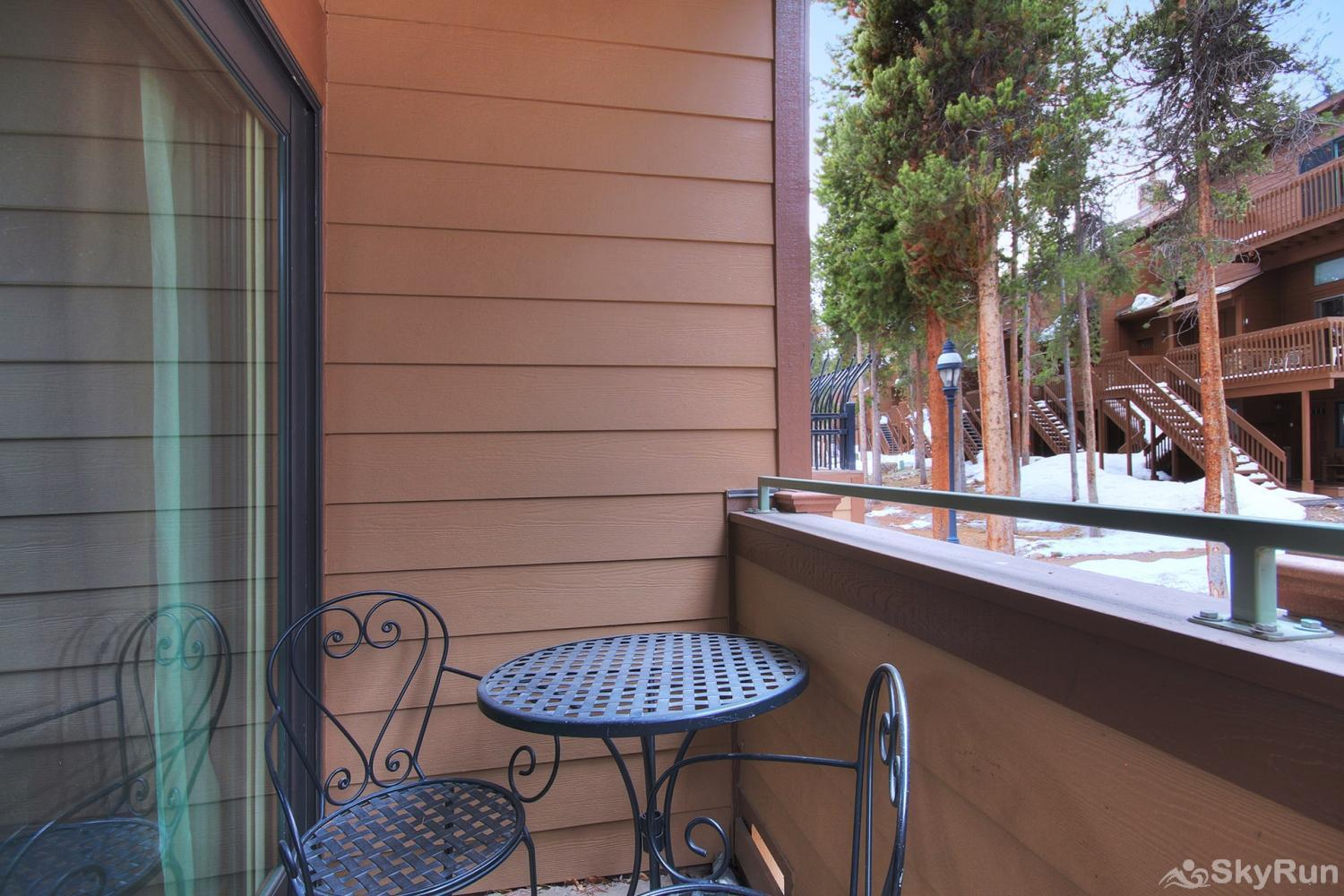 Sundowner II 201 Enjoy fresh mountain air from your private balcony