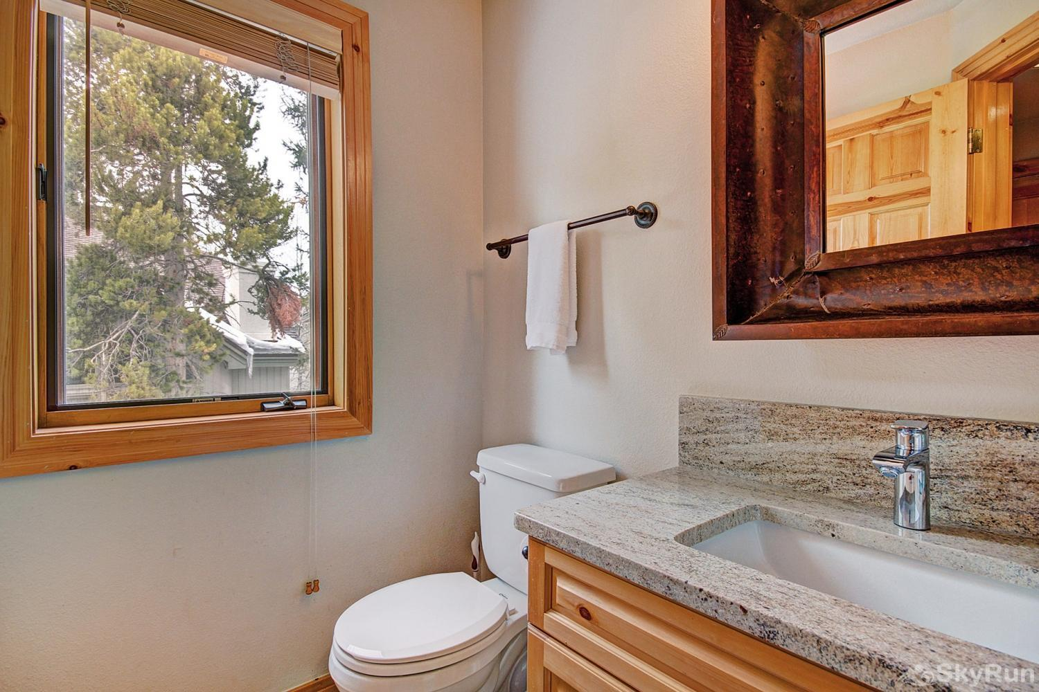 Elk Ridge Retreat Additional shared half bathroom