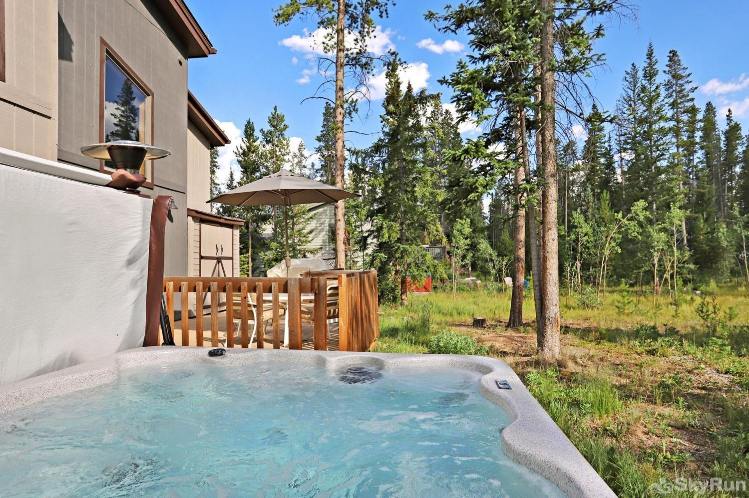 Peak Seven Cottage Relax and unwind in your private outdoor hot tub