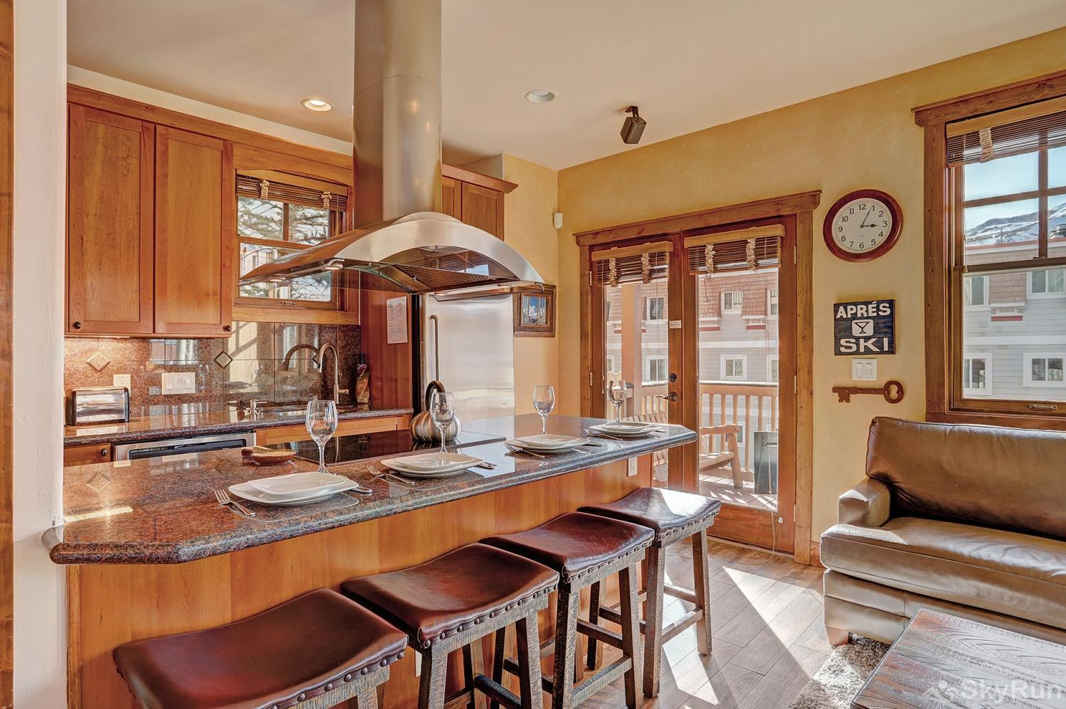 Mountain Ridge Chalet Beautiful newly renovated kitchen and living area