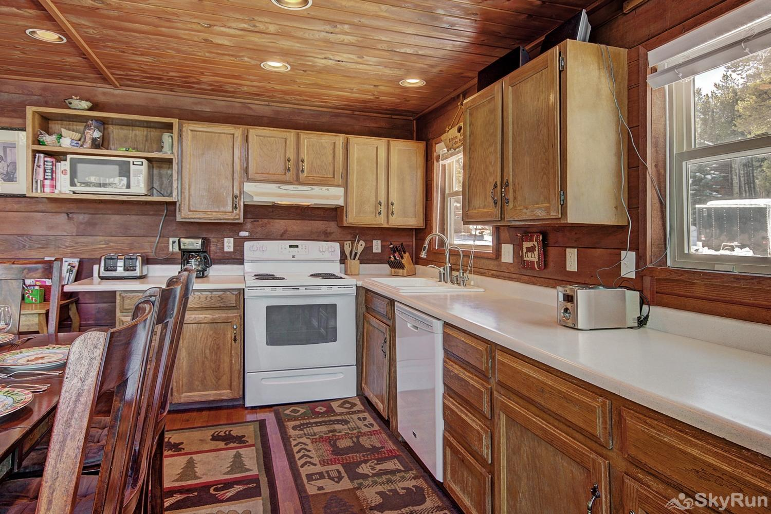 Summit View Chalet Enjoy home cooked meals with the convenience of a fully equipped kitchen