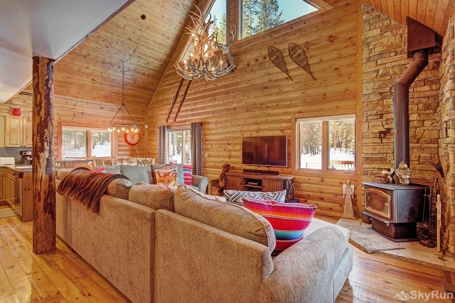 The Sly Fox Hideaway Large living area with lofted ceilings
