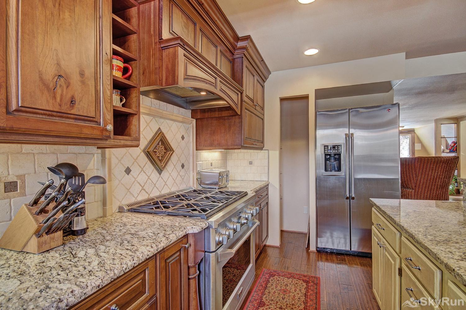 High Point Chateau Fully equipped kitchen updated with modern appliances