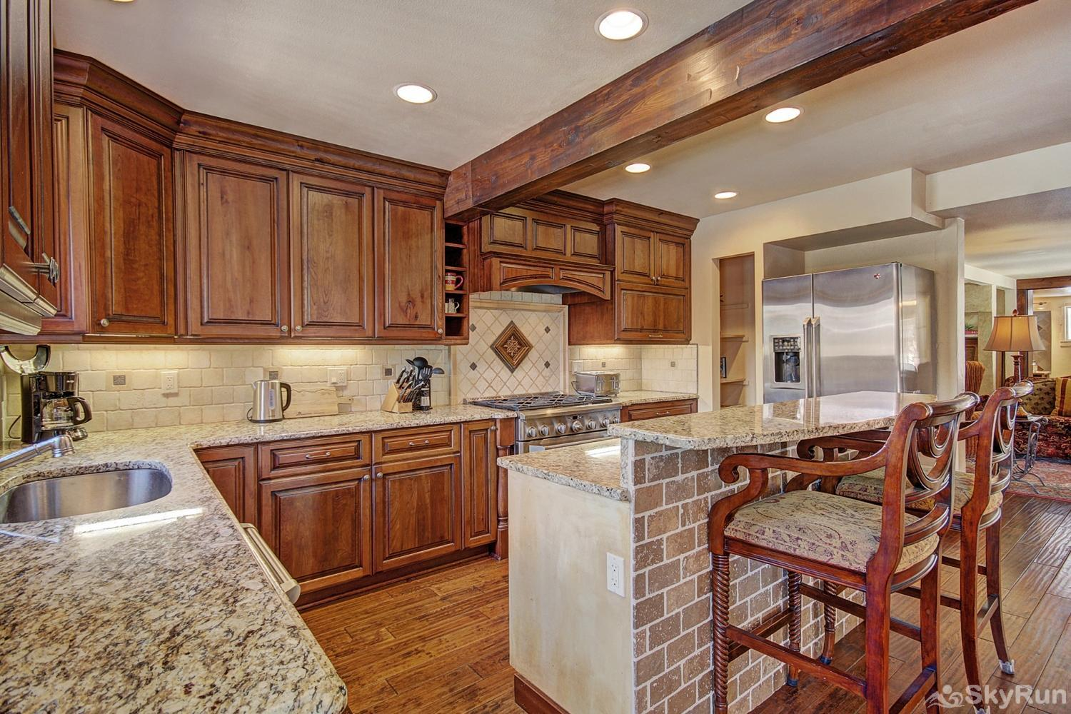 High Point Chateau Large fully equipped kitchen for preparing delicious homemade meals